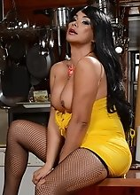 Vaniity seducing in stockings