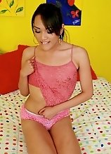 Sweet shemale Jessica Fox posing as a teen