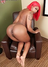 Brandi Bangz is a beautiful black tgirl from Memphis. Watch this cutie posing, stripping and stroking her cock!